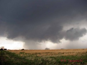 Wall cloud north of Okemah, OK