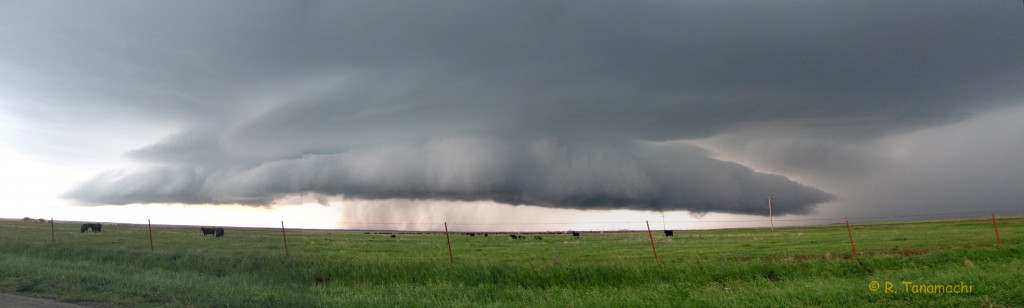 Shelf cloud over Gould, OK on 13 April 2012