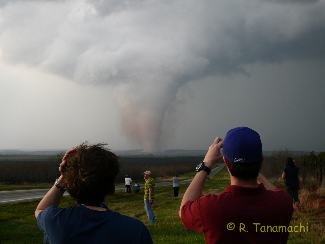 Storm chasers admiring and documenting the 28 March 2007 South Brice, Texas tornado.